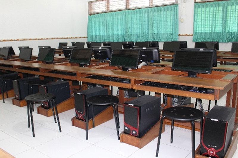 Lab Komputer SD St. Yoseph 2 Denpasar